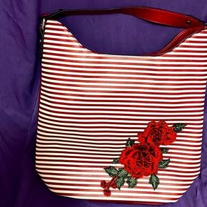 🔥HOST PICK🔥 Red, white and roses bag